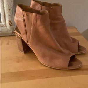 Steve Madden heeled sandal